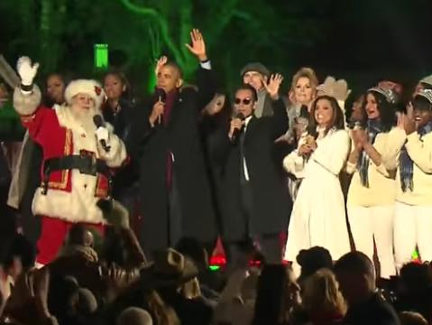Unidos en un improvisado coro que interpretó 'Jingle Bells', el p...