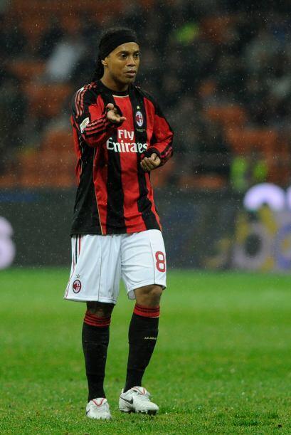 Ronaldinho quedó por debajo de Adriano y de otro compatriota, Amaury, de...
