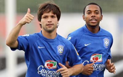 Robinho y Diego entrenando con la selección brasileña