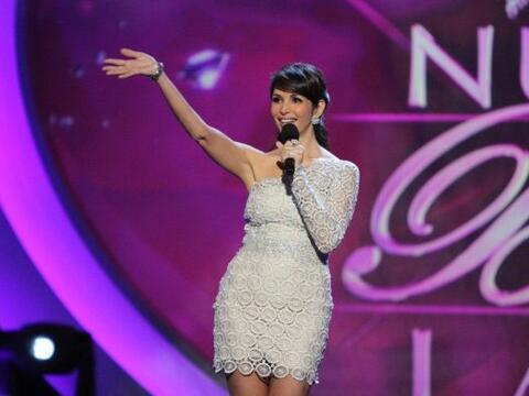 Giselle Blondet lució un espectacular vestido de encaje de su amigo el d...