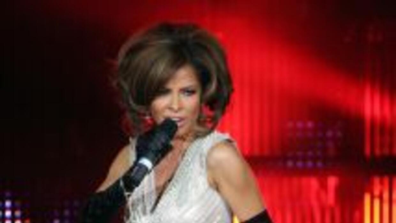 Gloria Trevi está nominada en dos categorías de Premios Juventud 2014.