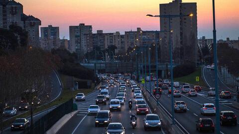 Las medidas contra los automóviles viejos en Barcelona buscan con...