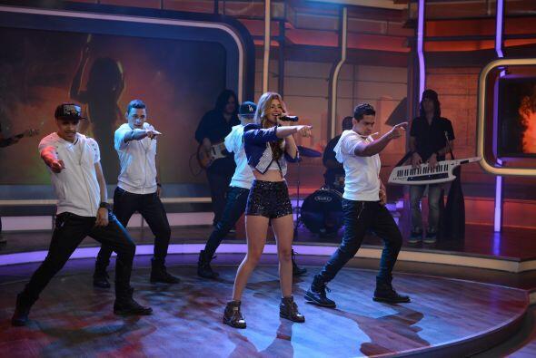 La cantante nos deleitó con su música, mientras que El Dasa llegó muy la...