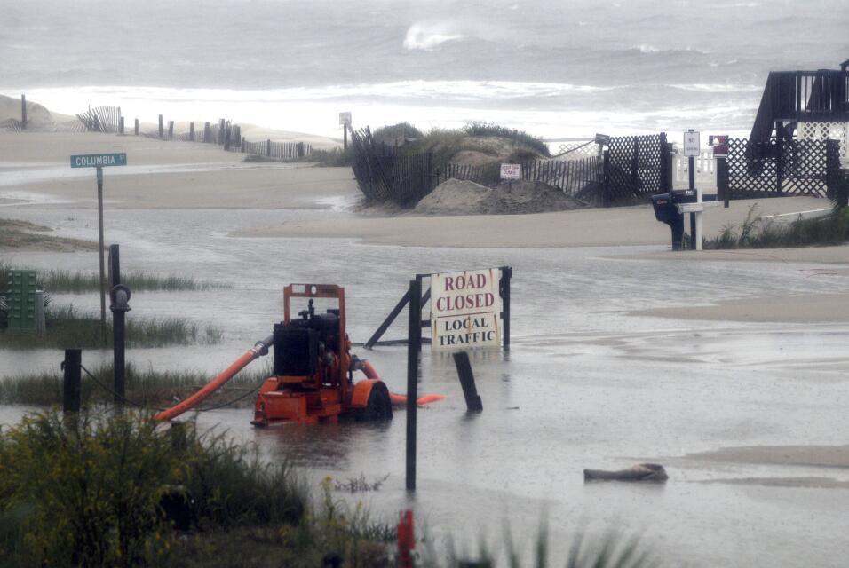 Las lluvias rompen presas en Carolina del Sur East%20Coast%20Rainstorm%2...