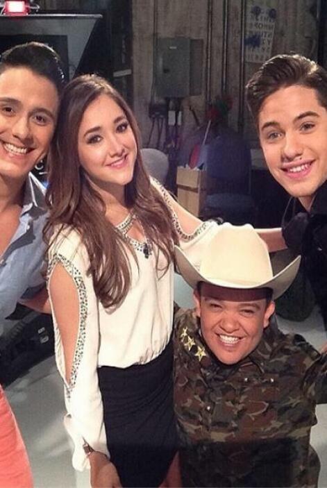 """""""#selfie aquí en casa con Raulito, @sherlyny y @joeymontanaoficial que e..."""