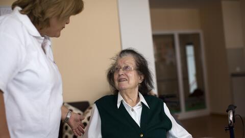 En las personas mayores los medicamentos tardan más en metaboliza...