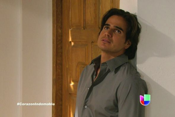 Octavio está desesperado, aún no logra averiguar nada sobre Maricruz.