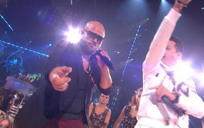 DJ Chino, Fito Blanko y Papayo cantaron 'Si te agarro' en PJ 2013
