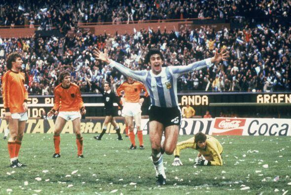 La final del mundial de 1978 se jugó en el monumental donde Argentina ve...