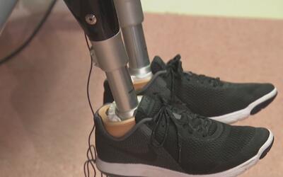 Sobreviviente del atentado en la Maratón de Boston le regaló prótesis a...