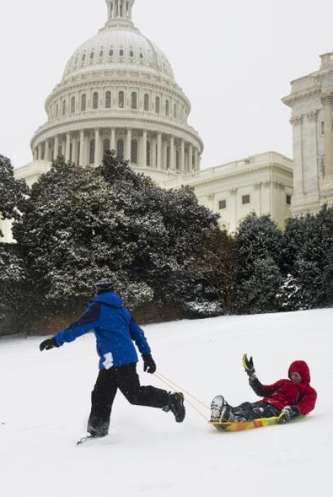 La nieve no bajará en algunas áreas hasta el martes y los meteorólogos p...