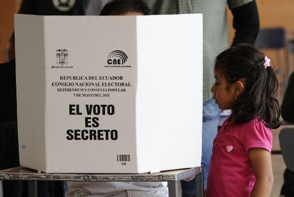 Este referéndum fue el sexto desde que está en el poder de...