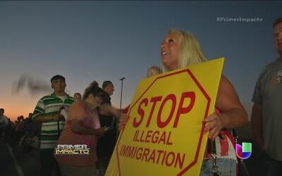 Niños migrantes amenazados por el odio del Ku Klux Klan