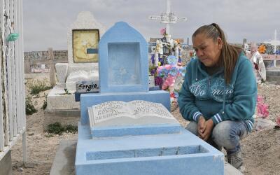 La madre de Sergio Hernández, muerto por disparos de un agente fr...