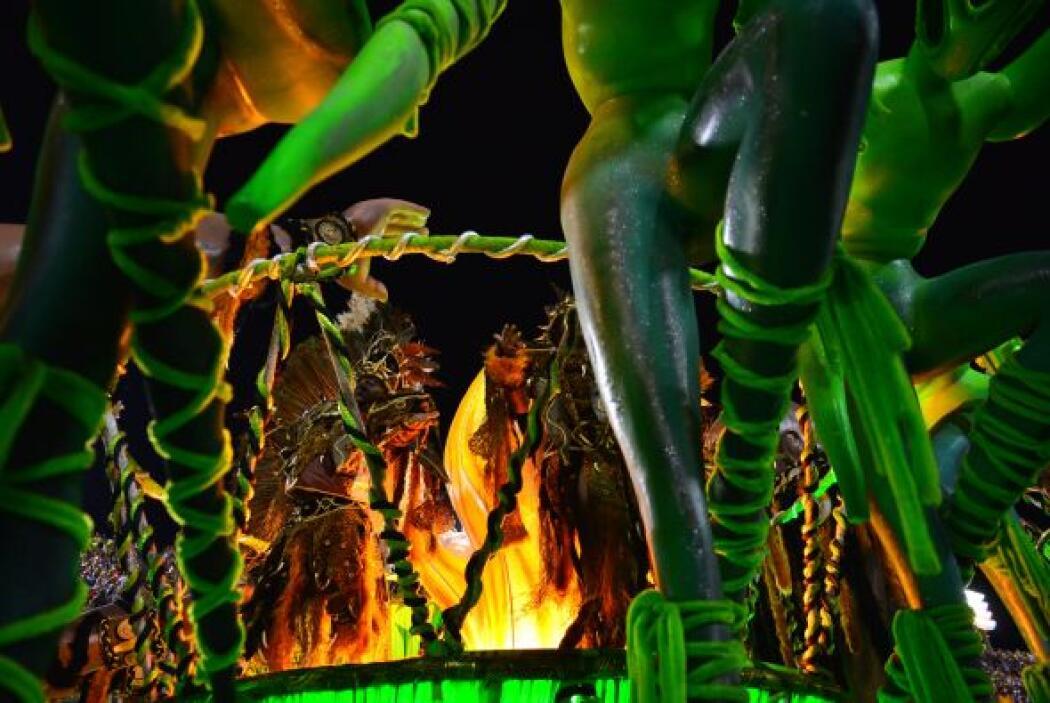 """""""La Danza del Congo grande representa la época de las tribus africanas""""."""