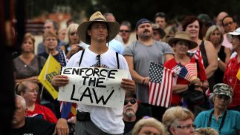 El tema migratorio sigue al rojo vivo en Arizona.