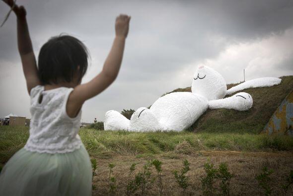 La enorme estructura ha atraído alrededor de un millón de visitantes, de...