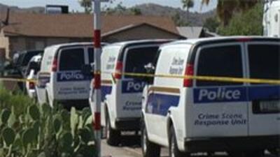 Autoridades en la escena del crimen.