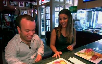 Clarissa Molina llevó a Carlitos 'El productor' a comer comida dominican...