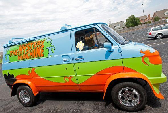 'Scooby' llegó a bordo del vehículo tradicional de la cari...