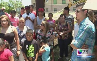 Decenas de inmigrantes son arrestados en Corsicana
