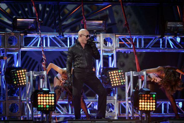 Al gran Pitbull le hizo falta la figura de J.Lo para la canción d...