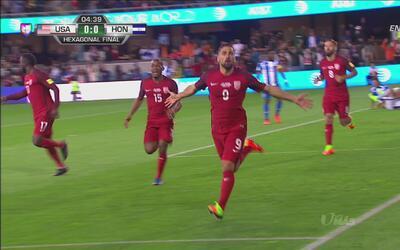 Sebastian Lletget aprovechó un balón suelto y abrió el marcador a los 4...