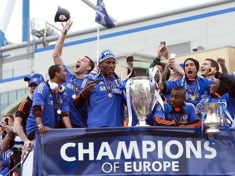 (Con información de EFE) La plantilla al completo del Chelsea cel...