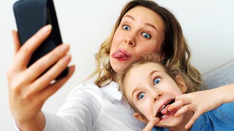 """Cuidado con el """"sharenting"""": Compartir la vida de tus hijos en redes soc..."""