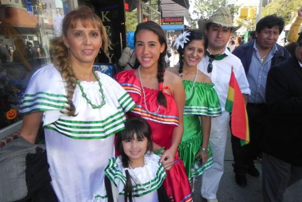 Primer desfile Boliviano de Nueva York 5c8a7e288403458c9eaaf73329482fdc.jpg