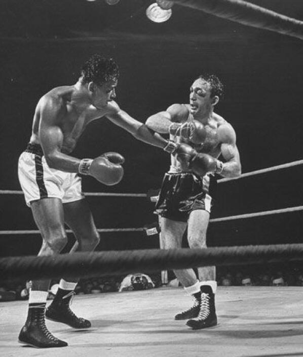 Peleas divididasDos de las peleas más igualadas de la historia las dispu...