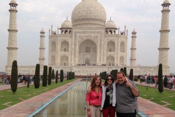 Y es que el Taj Mahal es único porque reúne las arquitecturas islámica,...
