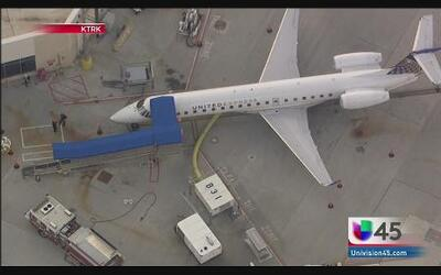 Sustancia sospechosa a bordo de avión en Houston