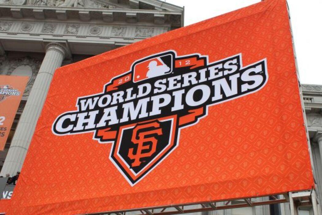 OCTUBRE   Gigantes ganan la Serie Mundial de Beisbol  En la culminación...