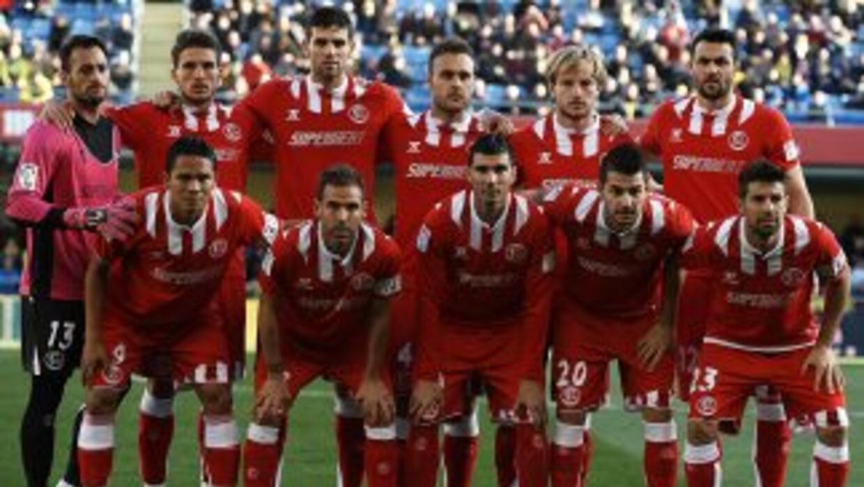 Luego de su clasificación en la Liga Europa, el Sevilla lo festejó con u...