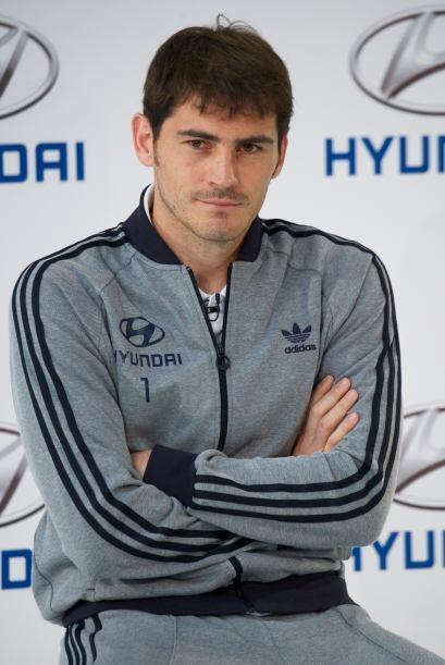 De acuerdo con esta encuesta, el portero de la selección española fue el...