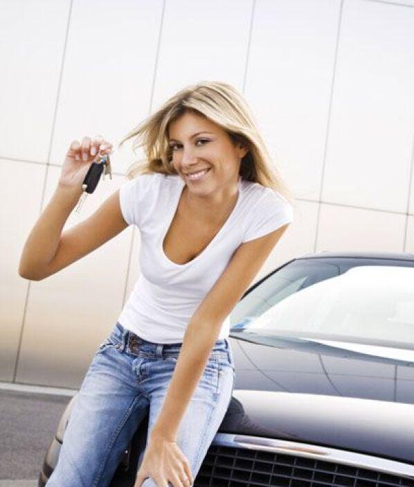 ¿Son más económicos?Los autos híbridos ahorran mucha gasolina, pero debi...