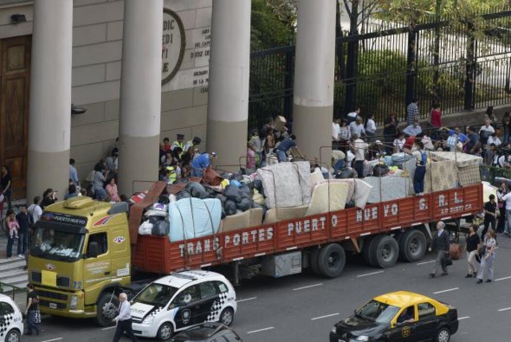 """Insulza también trasmitió la disponibilidad de la OEA """"para apoyar en lo..."""