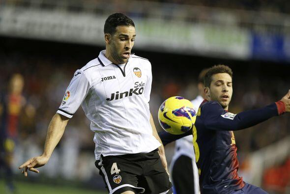 No fue tarea sencilla, pues el Valencia estaba contragolpeando con pelig...