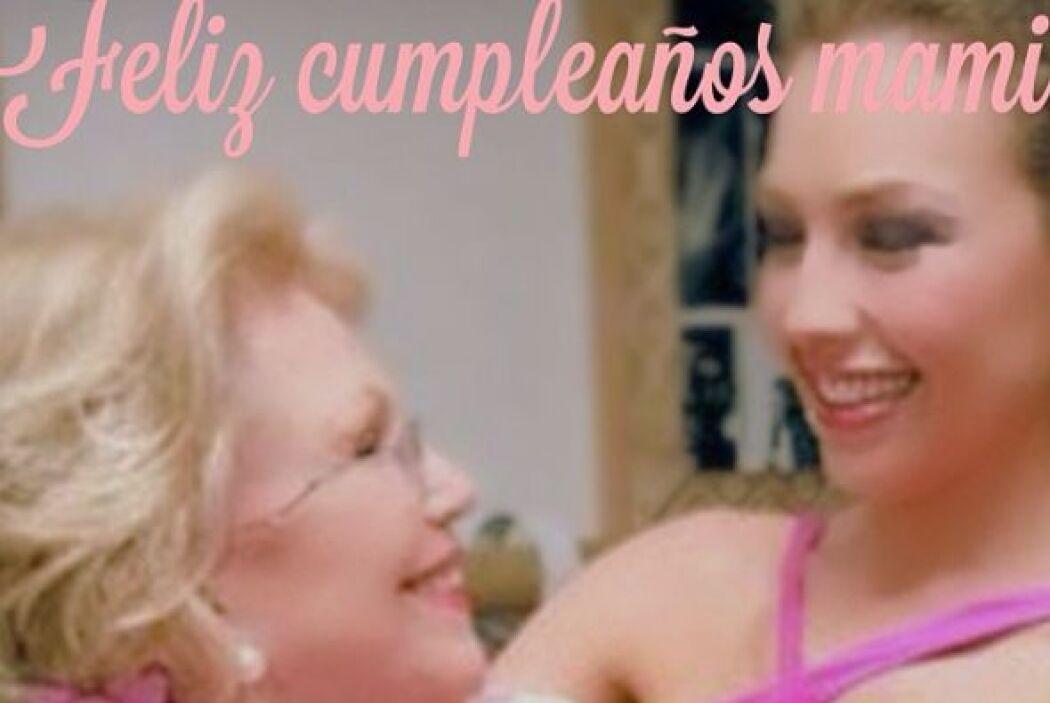"""""""2 de octubre. Feliz cumpleaños mamita. Te amo y te extraño tanto"""" escri..."""