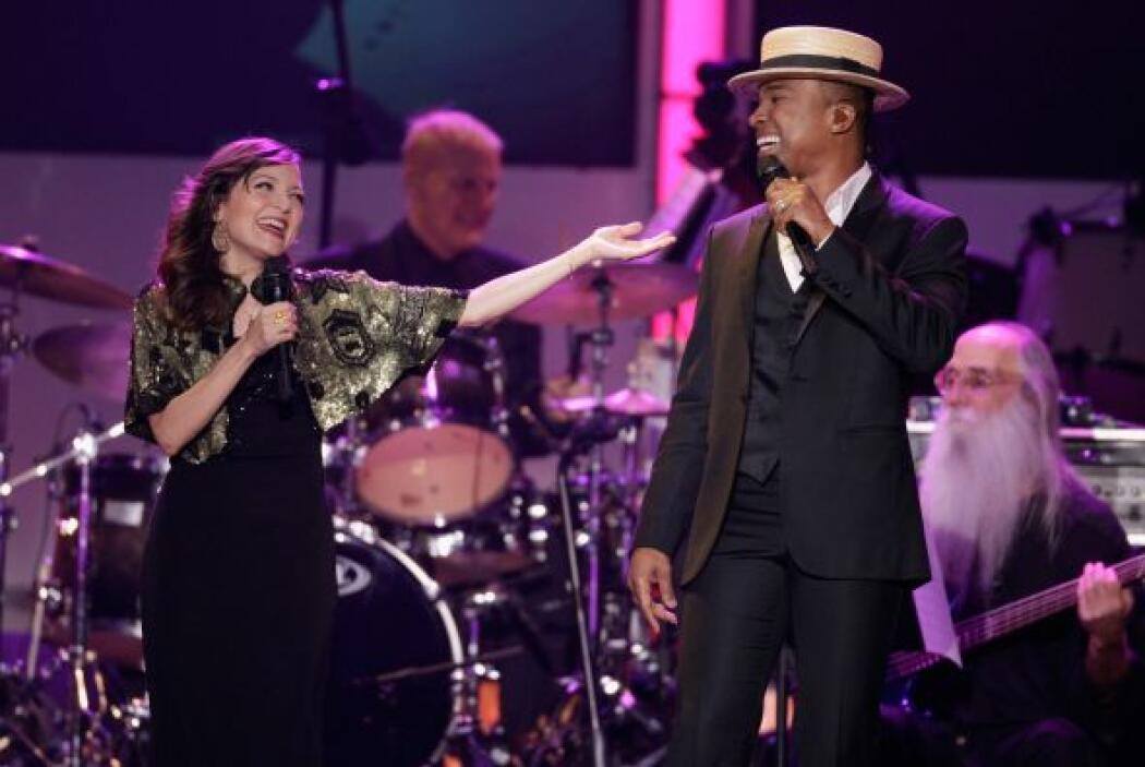 En el escenario también estuvo Natalia Lafourcade con Alexandre Pires.