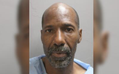 Russell Cormier, de 53 años de edad, fue detenido la madrugada de...
