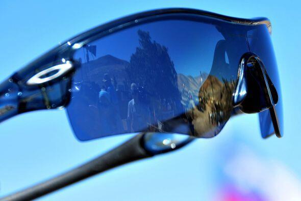 """""""El beneficio (de los lentes) es que filtra la luz del sol. No caus..."""