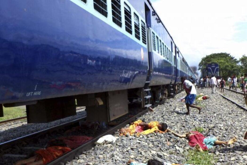 Al menos 32 personas murieron y otras 30 resultaron heridas al ser arrol...