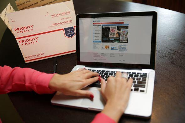 Luego voy a usps.com/espanol, donde puedo realizar el envío con p...