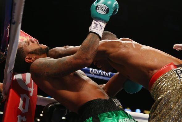 Sakio Bika y Anthony Dirrell dieron una gran batalla en Brooklyn, el cam...