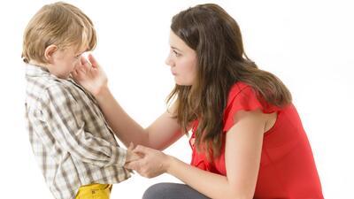 Cuando tu hijo se queja de su maestra, ¿qué haces?