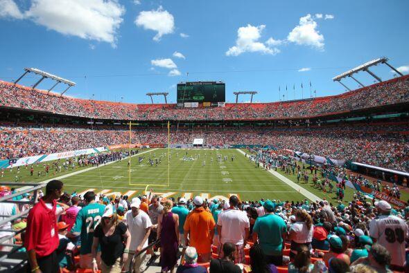 Domingo, Dic. 6 -- Ravens vs. Dolphins, Sun Life Stadium, Miami Gardens,...