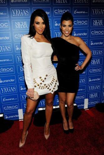 ¡Kim y Kourtney Kardashian! A ellas les encanta compartir fotos siempre,...