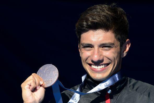El bronce fue para el joven clavadista mexicano Jonathan Paredes.